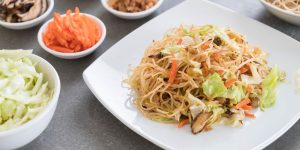 Chou chinois et poulet au wok