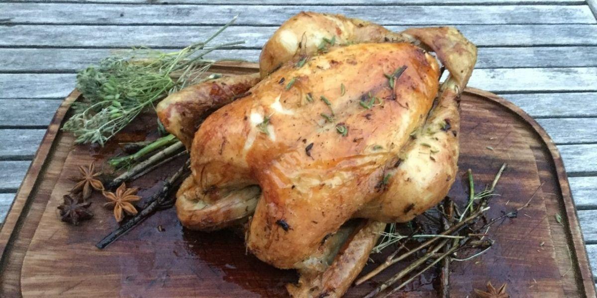 Recette du poulet au pastis, fenouil et courgettes
